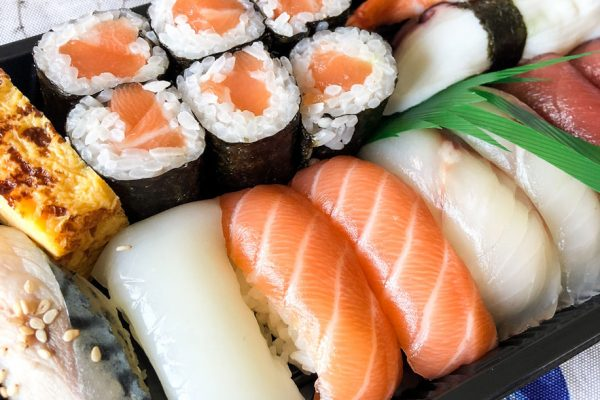 endo-tomoyoshi-sushi-domicilio-(1)