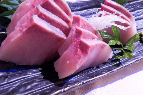 sashimi-ricciola-tomoyoshi-endo-web