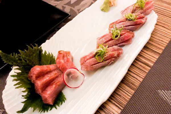 sushi-sashimi-ventresca-tonno-j's-hiro-milano