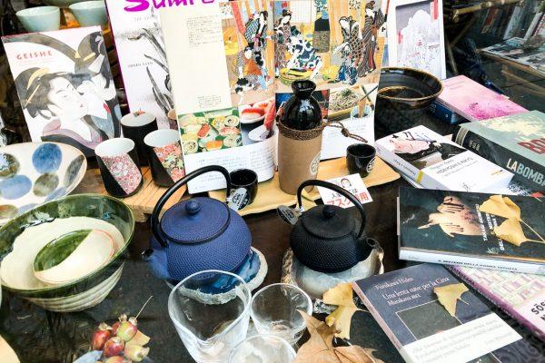 tanabata-libreria-giapponese-vetrina-libri-oggettistica-milano